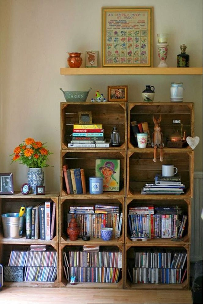 Estante para livros com caixotes