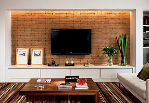 como colocar quadros na parede da sala muito f cil. Black Bedroom Furniture Sets. Home Design Ideas