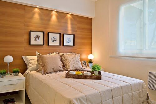decoracao de interiores quarto de casal pequeno : decoracao de interiores quarto de casal pequeno:Veja um exemplo de cabeceira com criado-mudo embutido, a preferência
