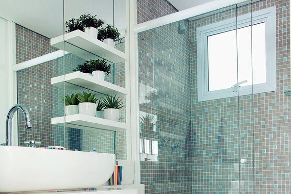 Banheiros decorados com pastilhas  35 lindas ideias -> Banheiro Simples Mas Arrumado