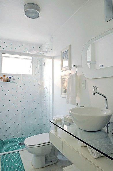 Gabinete Para Banheiro Banheiros pequenos decorados em preto e branco -> Banheiro Decorado Com Gabinete De Vidro