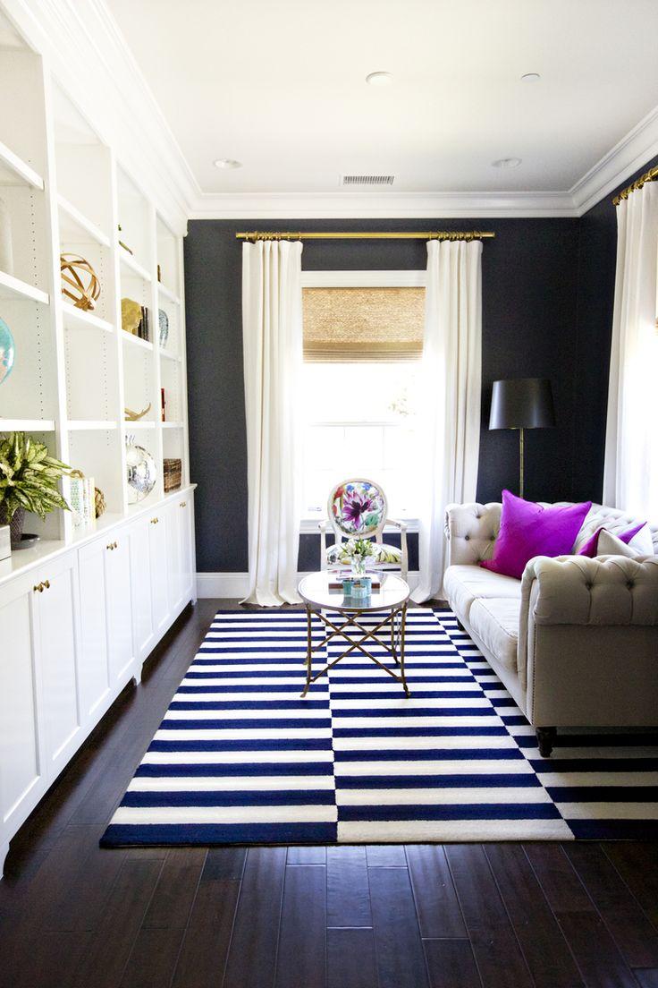 Decora O De Sala Pequena 12 Ideias Incr Veis -> Sala Branca Com Parede Colorida