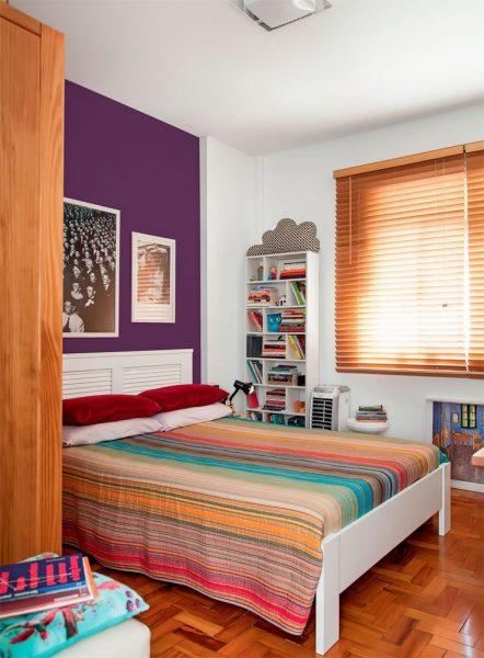 Decoração de quarto de casal pequeno colorido