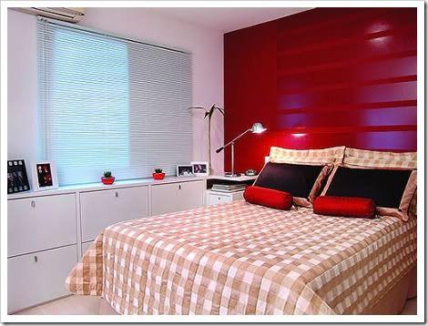Decoração de quarto de casal pequeno vermelho