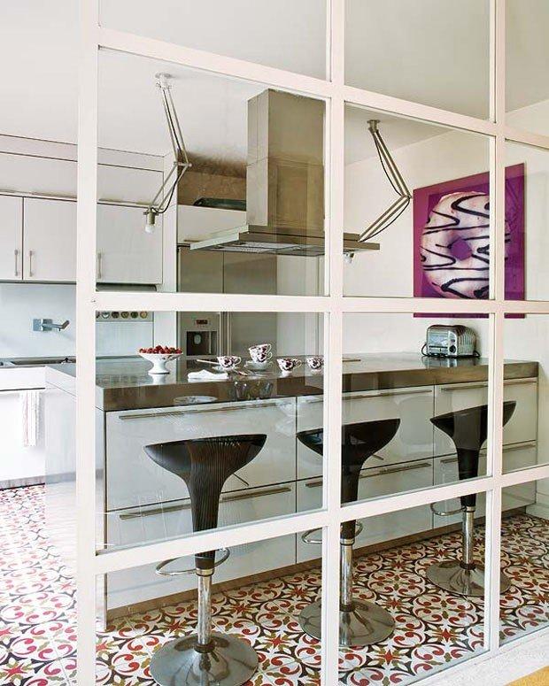 decoracao alternativa apartamentos pequenos:Decoração apartamento pequeno cozinha americana em madeira