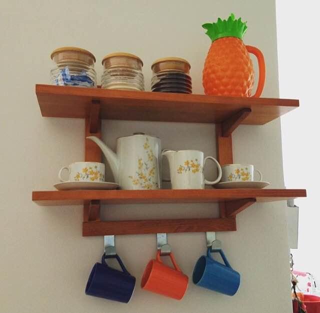 Decoração de apartamentos pequenos prateleiras para cozinha