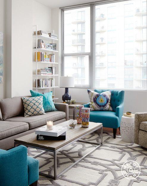 Decora o com sof cinza 20 ideias para se inspirar for Cortinas turquesas salon