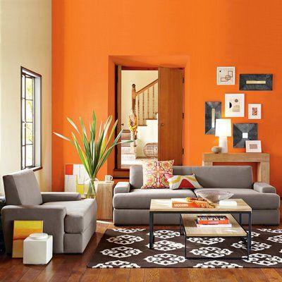 sofá_cinza_parede_laranja