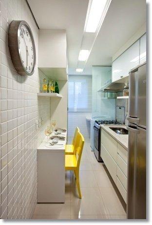 Cozinha decorada branca