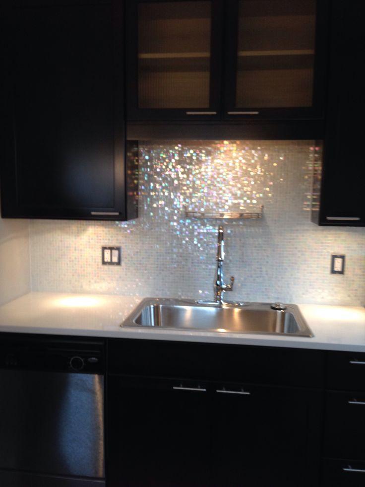 Cozinha decorada com pastilha brilho