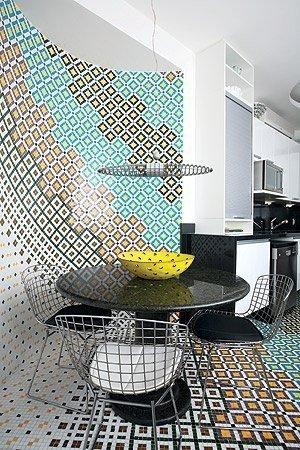 Cozinha colorida moderna decorada