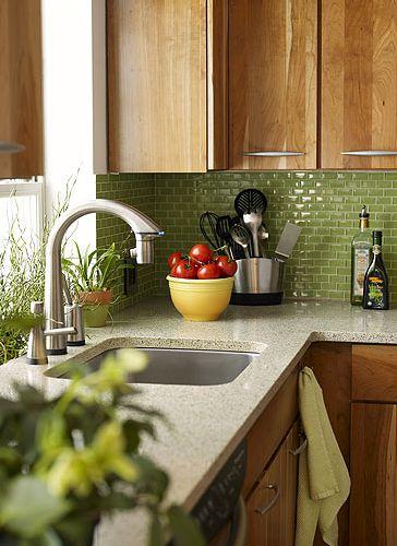Cozinha decorada com pastilhas verdes