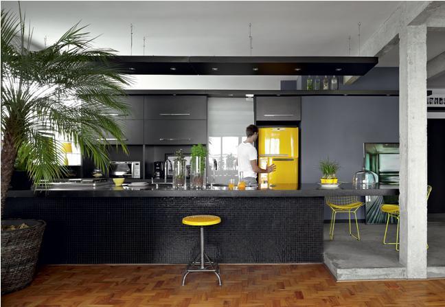 cozinha decorada com pastilhas pretas
