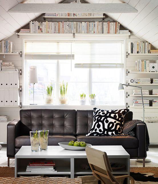 sala integrada com sofá
