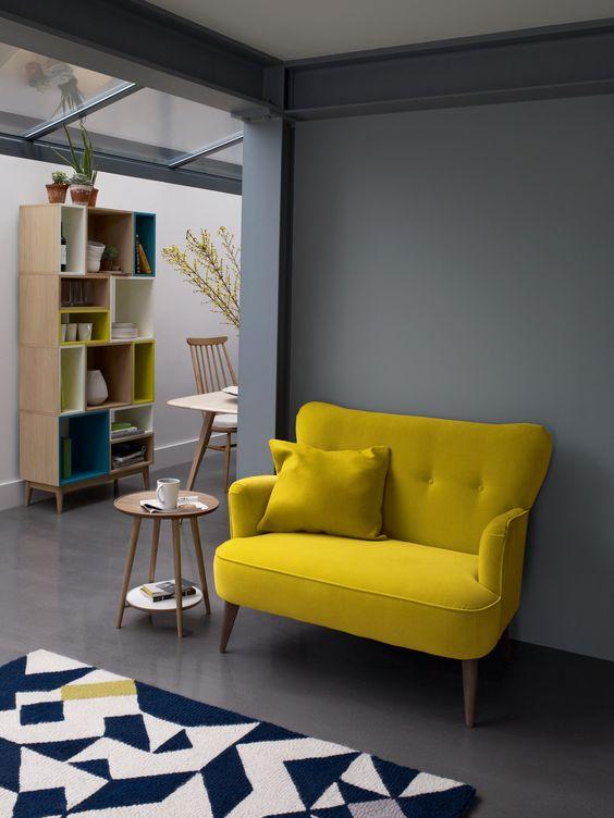 Poltrona para sala amarela