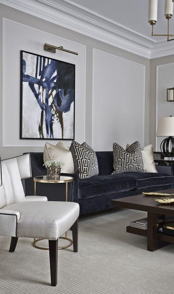 almofadas para sofá escuro com estampa preta e branca