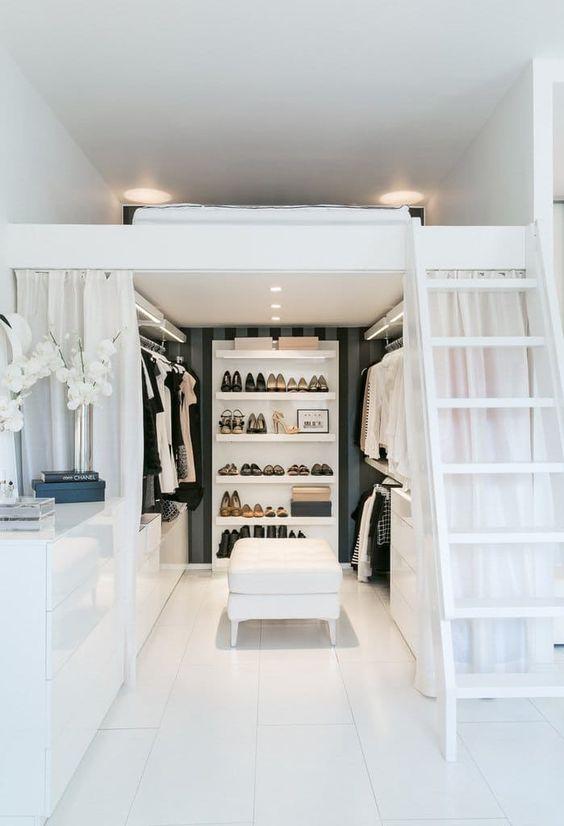 Modelos de closet pequeno embaixo da cama suspensa
