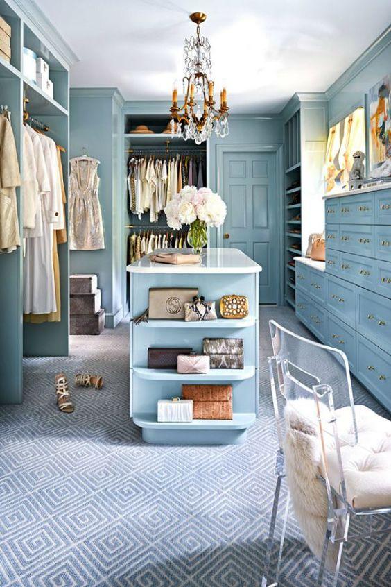 Closet azul bebê