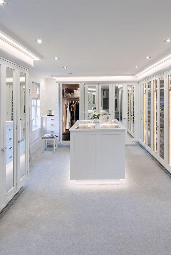 Modelos de closet para voc ter na sua casa viver em casa - Small spaces channel concept ...