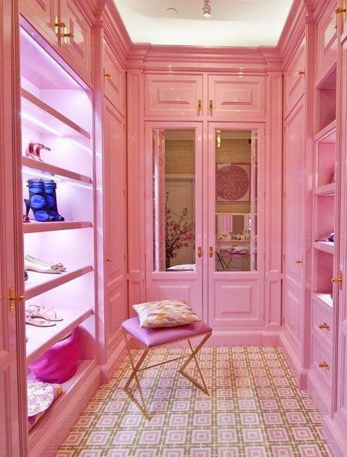 Closet pink